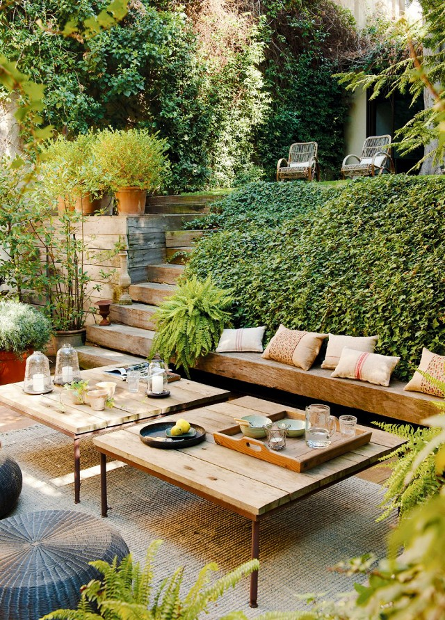 20 Stylish Outdoor Living Spaces